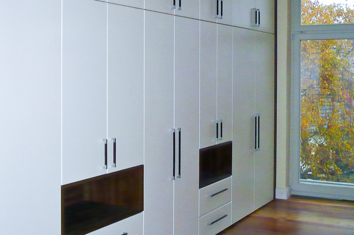 einbauschrank in vanille wenge tischlerei st cker in rostock. Black Bedroom Furniture Sets. Home Design Ideas